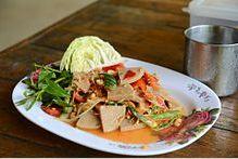 Giò lụa đã được đưa vào các món ăn Thái dưới tên mu yo